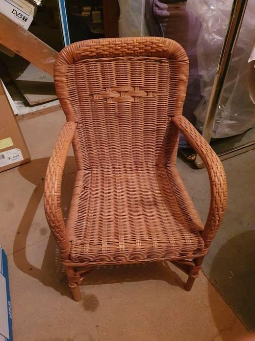 Charmant fauteuil d'enfant très léger et stable