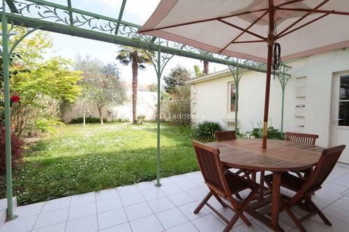 Vends Echoppe de 157m² avec chai, 4chambres, jardin 120m² - Bordeaux (33)