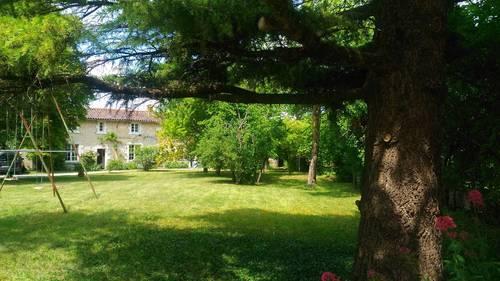 Loue charmante maison de famille 19couchages, piscine, jardin clos