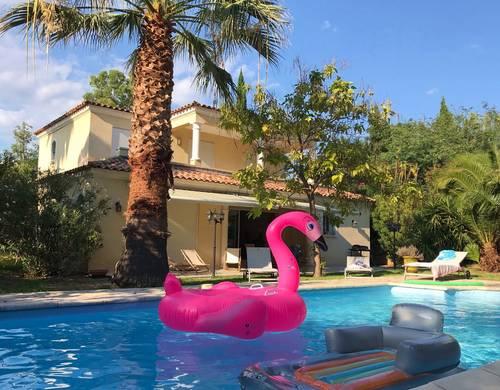 Loue Charmante villa piscine golfs/mer saint Raphaël (83) 8couchages