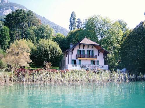 """Loue maison familiale à Annecy (74)""""le charme de l'ancien"""" avec 12couchages, Annecy"""