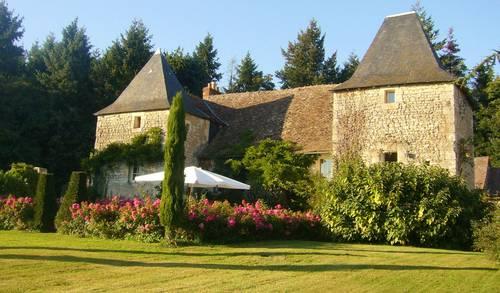 Loue gîte de charme XVème, 5chambres / 12couchages, piscine, équitation, Yzeures-sur-Creuse (37)