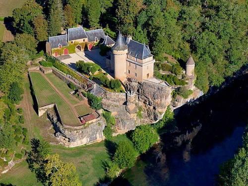 Loue Château, Dordogne, Piscine chauffée, forêt, rivière 15couchages - Saint-Léon-sur-Vézère (24)
