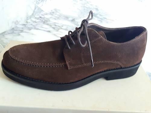 Chaussures homme en daim marron neuves Pointure 40