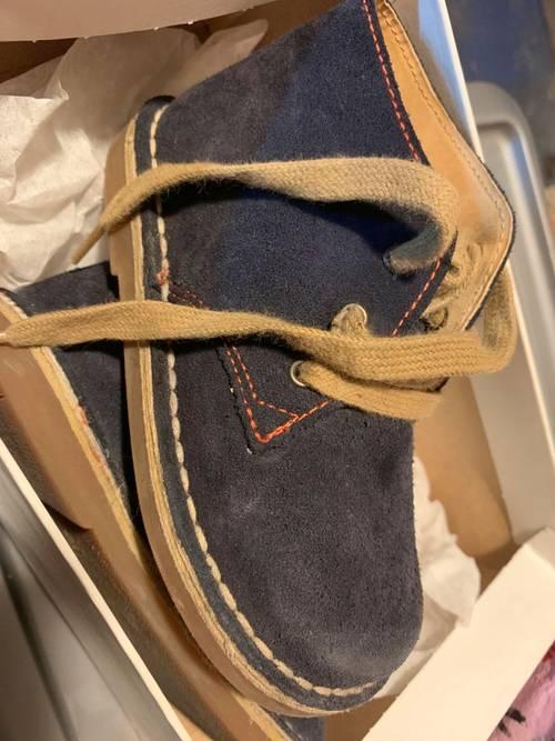 Chaussures montantes daim marine pointure 26