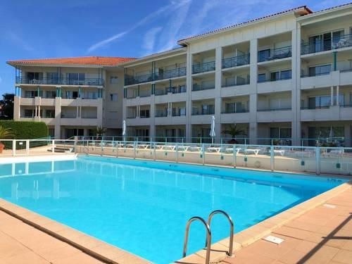 Loue appartement de charme dans résidence avec piscine: séjour, chambre & terrasse, 4couchages - 1chambre - Ciboure (64)