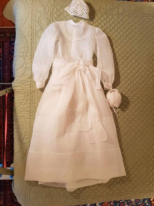 Robe de communion avec fond de robe, bonnet, aumonière-Année 50- Taille 12ans