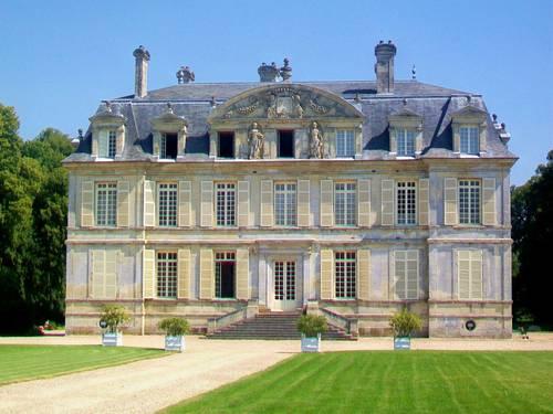 Loue communs et château de Guiry événements privés et professionnels