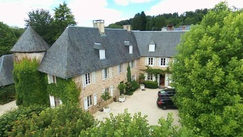 Loue en Corrèze grande maison de caractère familiale 19couchages