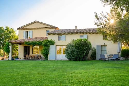 Loue Cottage avec piscine et tennis à 5minutes du centre d'Aix en Provence 3couchages