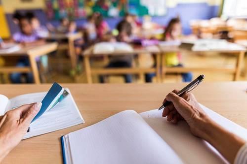 Propose cours de soutien/renforcement scolaire jusqu'à bac+2sur Avignon