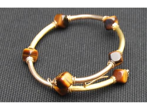 Bracelet or 14carats et perles œil de tigre
