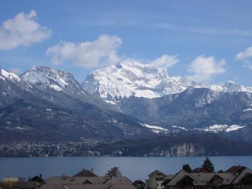 Loue chalet 3chambres 5couchages - Lac Annecy vue féerique sur le lac et montagnes - Sévrier (74)