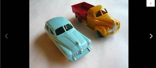 Lot Dinky Toys Restaurés Studebaker Pick-up & Ford Vedette