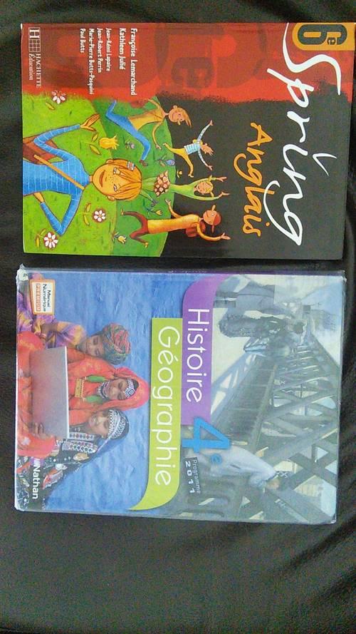 Donne livre anglais 6ème et d'histoire géographie 4ème