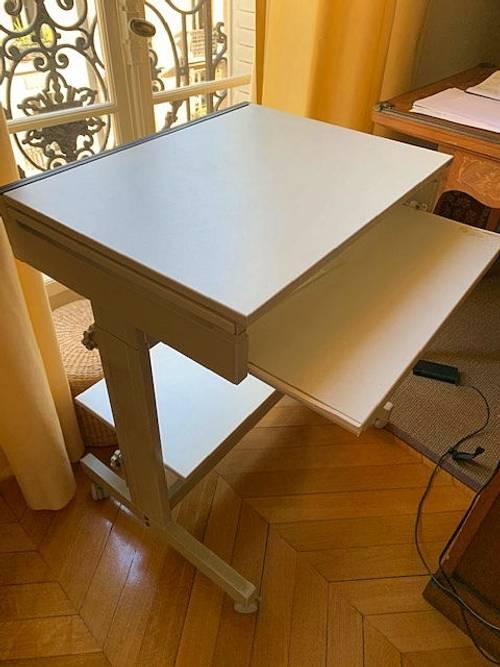 Donne table d'ordinateur SITOCA