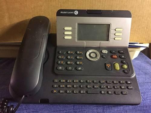 Donne téléphone