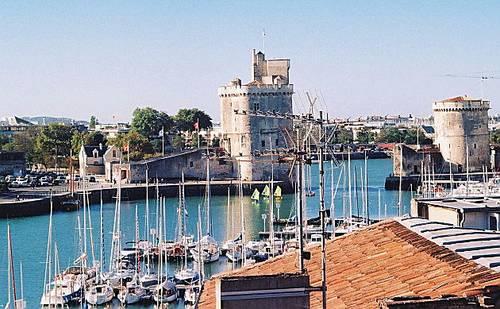 Loue duplex 4ème/5ème avec terrasse vue Vieux Port de La Rochelle, 2couchages