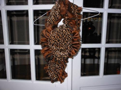 Echarpe en velours bordée de taffetas