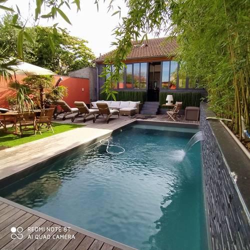 Loue en août maison avec jardin piscine 8couchages 4chambres à Bordeaux (33)