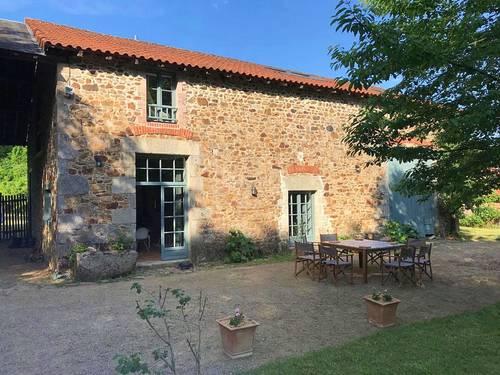 Loue gîte château Les Rieux - 8couchages - Saint-Léonard-de-Noblat (87)