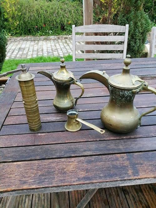 Ensemble théière et poivrier en cuivre