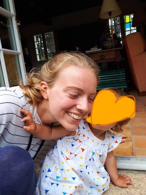 Etudiante propose services de babysitting du 25/08au 12/09