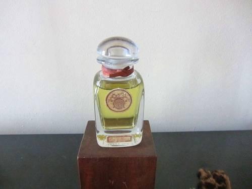 Vends flacon factice eau d'Hermes Cristal numeroté