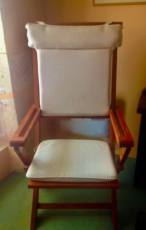 Fauteuil en teck pliant avec coussins écrus (assise + dossier)