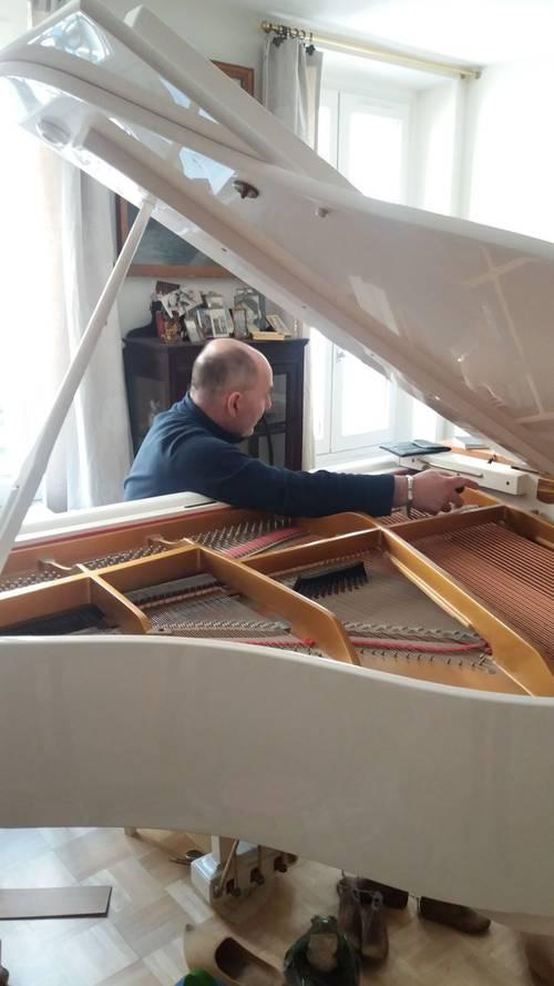 Vous recherchez un accordeur de piano?
