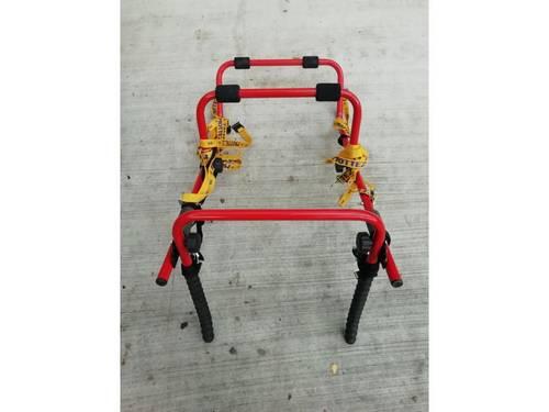 Vends porte-vélos état neuf sur hayon (3vélos-Marque MOTTEZ)