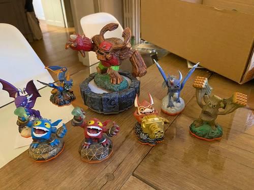 Figurine et portail Nintendo 3DS skylanders