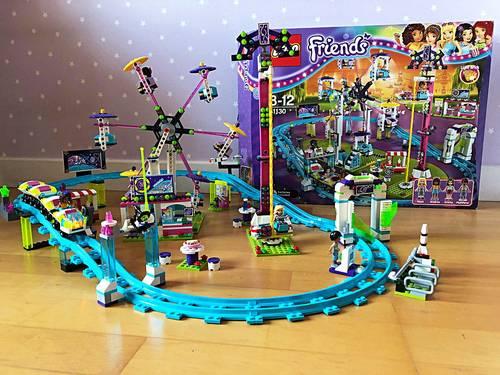 LEGO Friends - Les montagnes russes du parc d'attractions