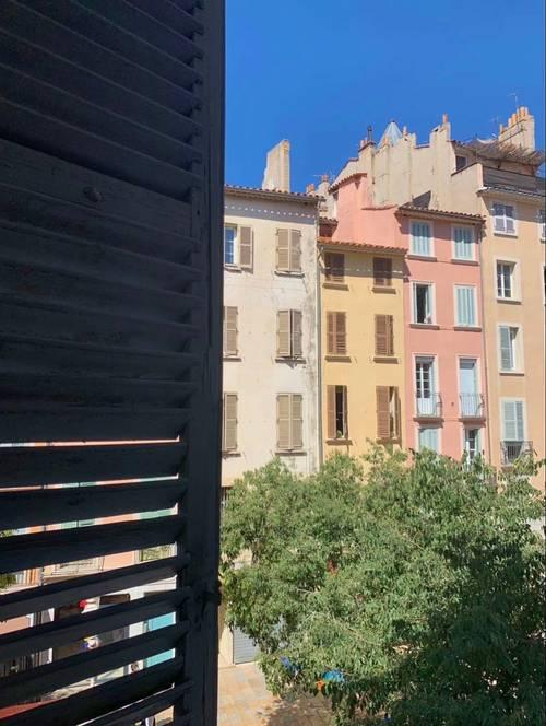Loue grand studio 33m² meublé Toulon - Centre Ville