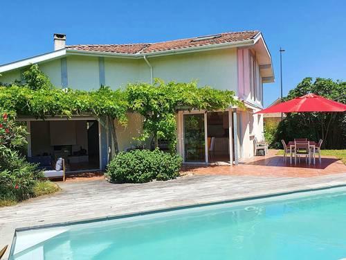 Loue grande maison familiale avec piscine près de Hossegor 10couchages