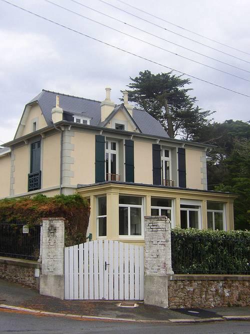 Loue très grande maison, 14couchages, 7chambres face à la mer à Saint-Lunaire (35) près St Malo