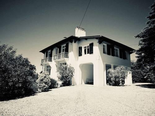 Loue grande villa, 8chambres/18couchages, St Jean de Luz, océan et centre ville à pied