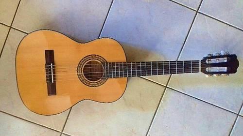 Vends guitare enfant