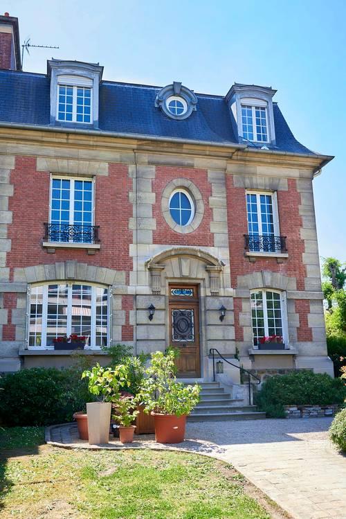 Propose maison d'Hôtes et d'Evénementiel à deux pas de Paris et La Défense - 30invités - Asnières-sur-Seine (92)