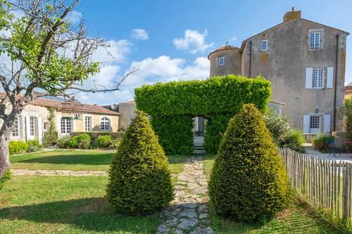 Loue maison du Sénéchal en plein centre d'Ars-en-Ré (17) - 12couchages