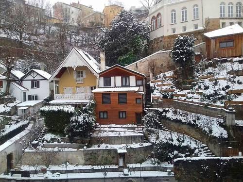 Propose jolie chambre dans maison de ville 85m² au calme avec jardin - Caluire-et-Cuire (69) - 16m²