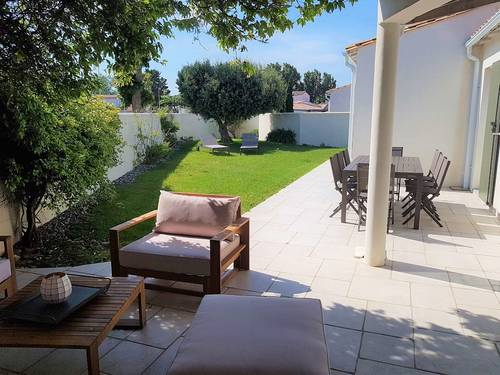 Loue jolie maison avec jardin, La Couarde-4chambres-6à 10couchages