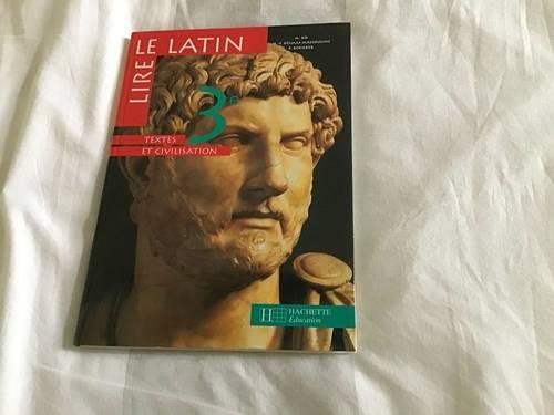 """Vends """"Lire le latin 3e édition Hachette"""""""