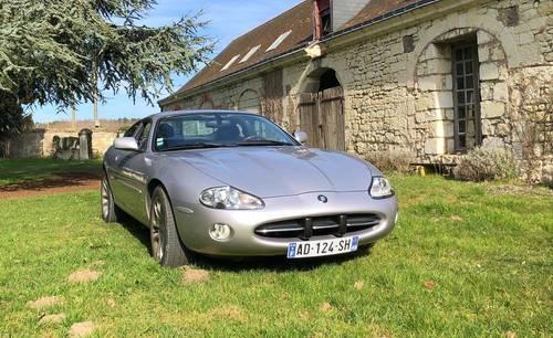 Location d'une Jaguar XK8pour votre mariage!
