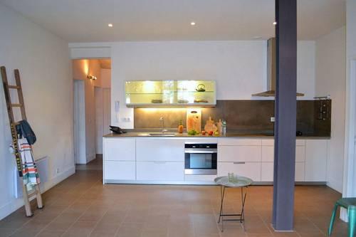 Loue Nîmes (30) Révolution appartement 4pièces belle rénovation - 85m²