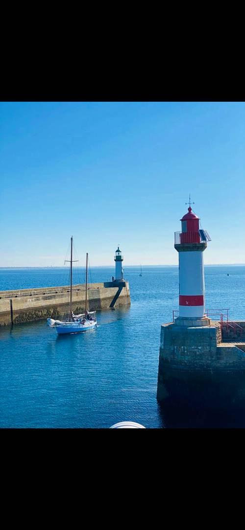 Location saisonnière sur l'île de Groix (56) : maison entière dans le Bourg, 8couchages