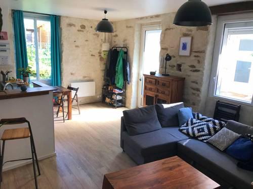 Loue appartement T2rénové (50m²) + jardin / Nantes (Zola)