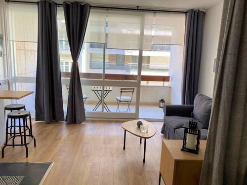Location studio meublé 28m² + balcon 6m² - Paris 16ème