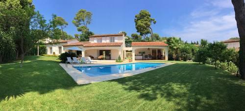 Loue Villa Côte-d Azur - Antibes (06) - 7couchages