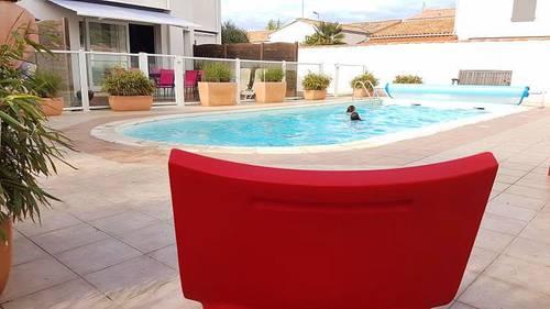 Loue à la pointe de l'île de Ré logement 4couchages avec piscine